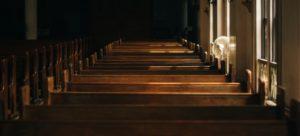 Bremische Evangelische Kirche: Der Scheinriese wankt – dank Staatshilfe fällt er nicht.